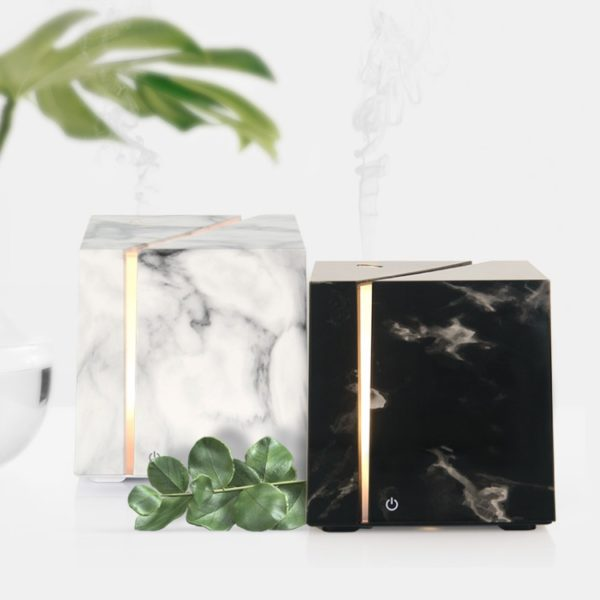 Aroma diffuser marmer look wit 3